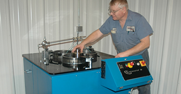 Technician providing Hydraulics Machining Service